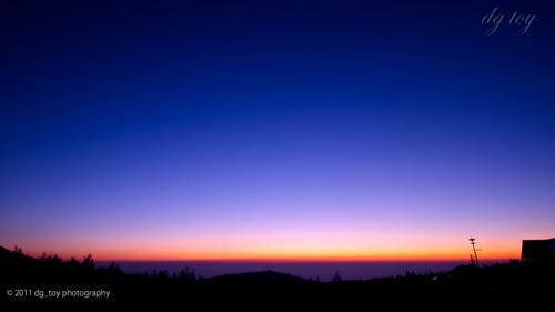 朝の薄明(ブルーアワー)