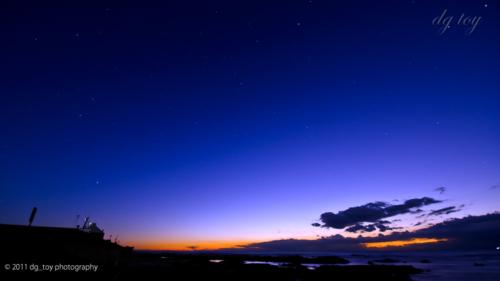 まだ星の見える朝の薄明