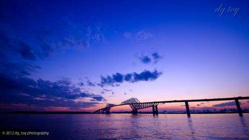 日没後の東京ゲートブリッジ
