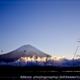 富士を臨む湖畔の朝[空の風景]