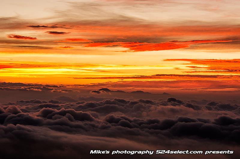 R292 日の出前の雲海〜群馬県最強の雲海撮影スポット!雲の海からの朝焼けと朝日が美しい地