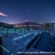 雪の山中湖からの富士山と夜空