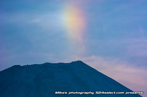 富士山と幻日[sun dog-japan]