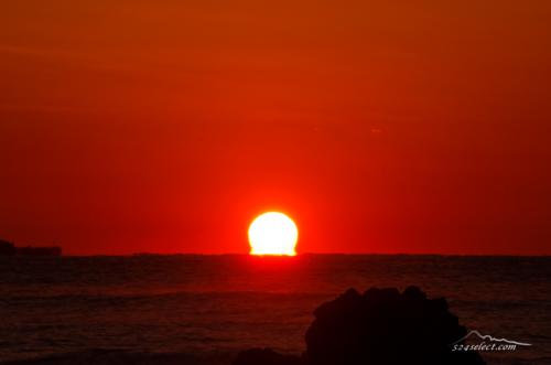 南伊豆のだるま朝日[伊豆半島 下田]-sunrise japan(omega sun)