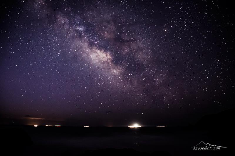 3月〜海に横たわる天の川を静岡県伊豆下田の海岸から撮影!天の川撮影の醍醐味を感じる浜辺