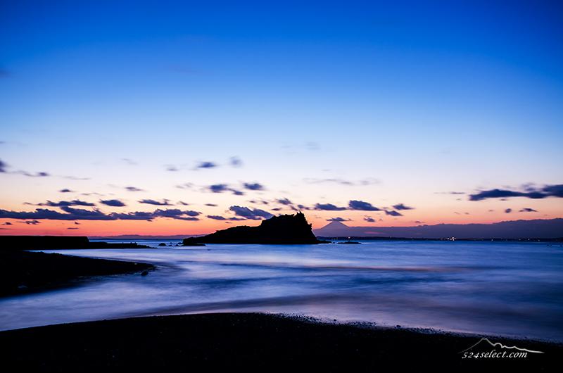 房総半島勝山からの富士山と夕景〜東京湾からの富士山絶景地!雲の流れと夕焼けが美しい千葉の風景