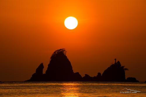 西伊豆 大田子海岸から春の夕日 Sunset IZU Japan
